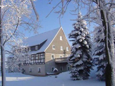 Pension 'Alte Mühle' im Winter - Ausgangsort zum Wintersport